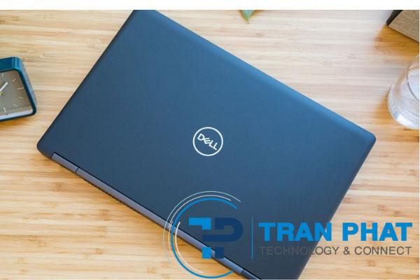 Chiếc laptop Dell Precision 3530