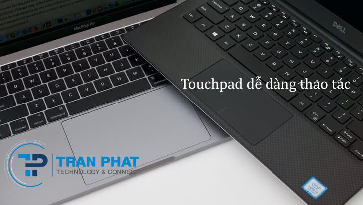 Bàn phím và touchpad dễ thao tác
