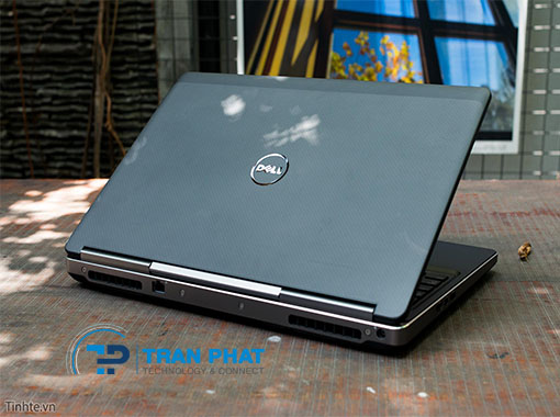 dell_precision_7710_laptop-tran-phat_1600485325.jpg