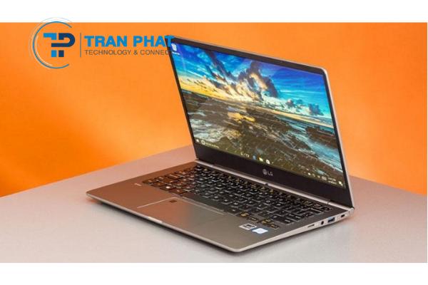Những chiếc laptop 13 inch tốt nhất 2020