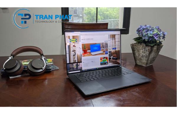 laptop-pin-khung