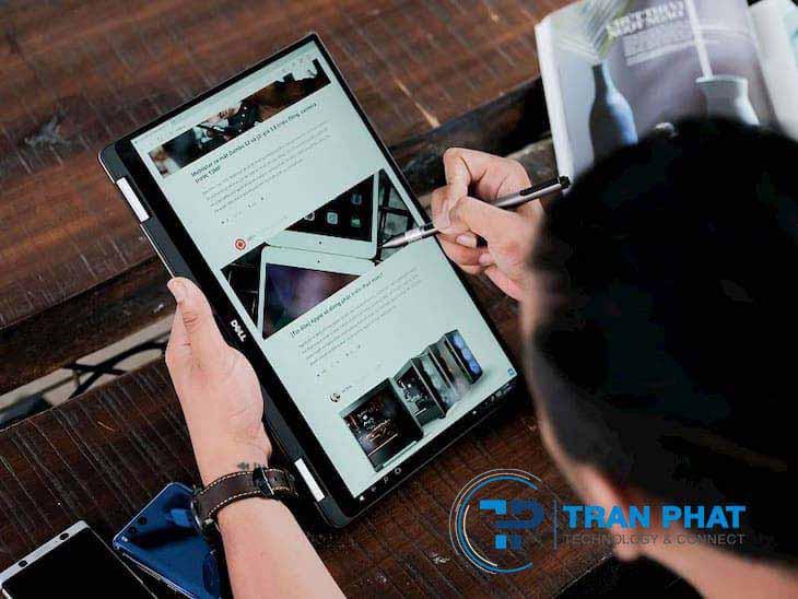 Khi cần có thể dùng dell xps 13 9365 i7 như tablet